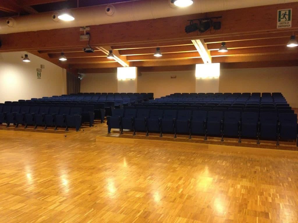 Auditorium illuminato